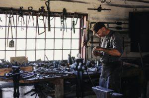 Produktionshelfer Metallbearbeitung